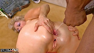 Sex granny hotties expose their experienced pussies for a fuck