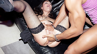 Amateur anal fuck at sexy student bash