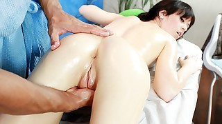 Massage loving whores get the pleasures in HD quality