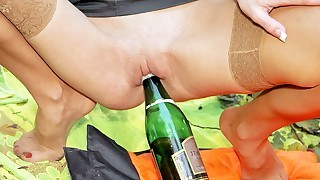Outdoor HD fucking will bring you new colors of having fun outside!