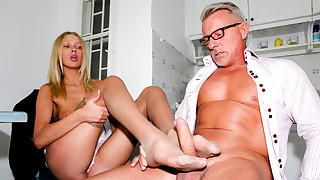 Young Teena's First Feet Games With Christopher!..
