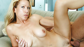 Kimmie Morr is a hot MILF who knows what she..