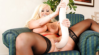 Watch Alura's pussy can swallow gigantic fuck..