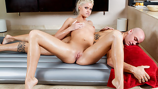 The Lovely Jessa Rhodes Blonde Massage Fuck And Suck