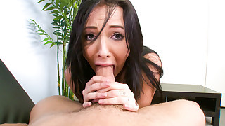 Sweet Ashli Orion Is Showing How She Deep..