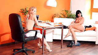 Stacy Dasilva Shows Her Body For Silvia During Casting