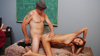A slut bride gets fucked during a couples counseling session