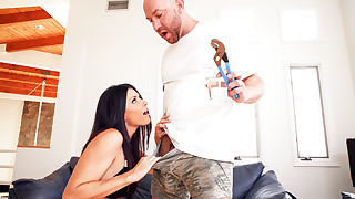 Dark haired India Summer is sucking his schlong