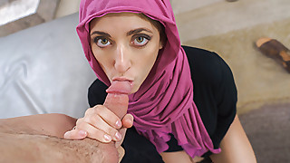 Horny Hijab Girl Unveils Her Asshole